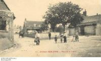 Le bourg de CIVRAY - Place de la Liberté
